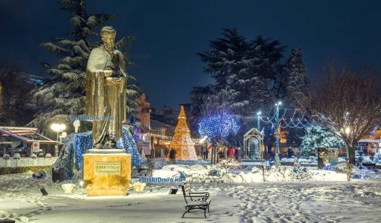 Назад во времето > Охрид со снег за време на Божиќ 2017 (фото)