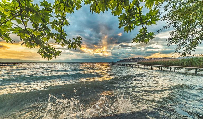 Последните зраци на пролета, летото на видик, од утре Сончево во Охрид