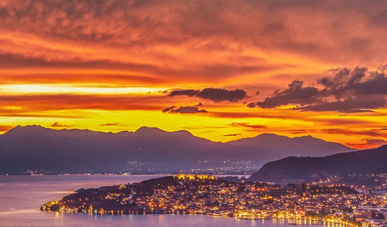 Денеска е денот на Охридското Езеро – Уживајте во Топ 5 фотографии на зајдисонца од Стојан Стојановски