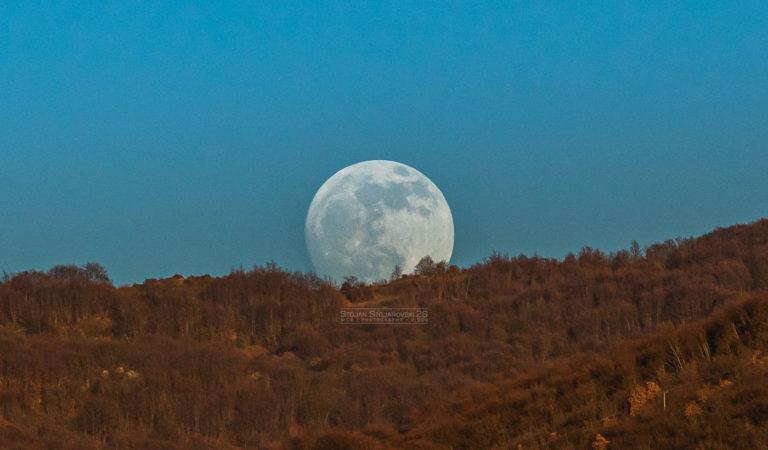 Прва полна Месечина во 2020 и делумно затемнување во петок на 10 Јануари