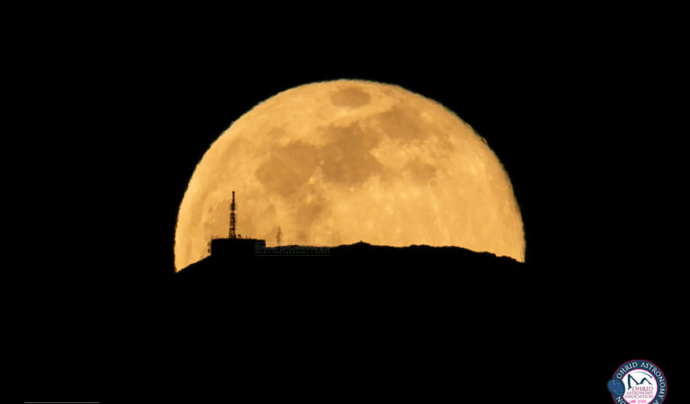 Фото Галерија: Полна Месечина со Антената на Пелистер вечерва, неверојатна фотографија на Стојан Стојановски