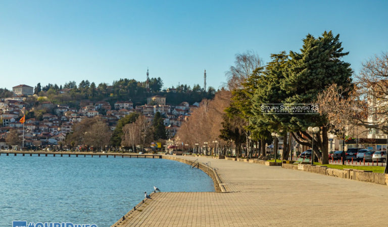 Фото: Охрид во полициски сончев час