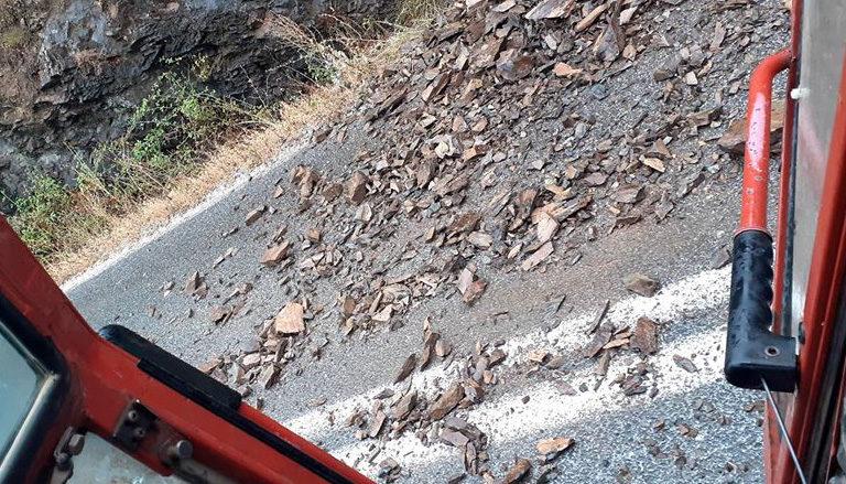 (Фото) Гром удри на 50 метра од тракторист кај Опеница